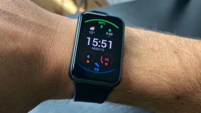 Test af Huawei Watch Fit: fin til fitness men langt fra smart