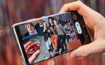 Derfor er telefoner med normale skærme bedre end med buede skærme