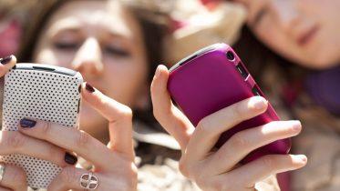 Yousee klar med mobilabonnement til børn – Se prissammenligning