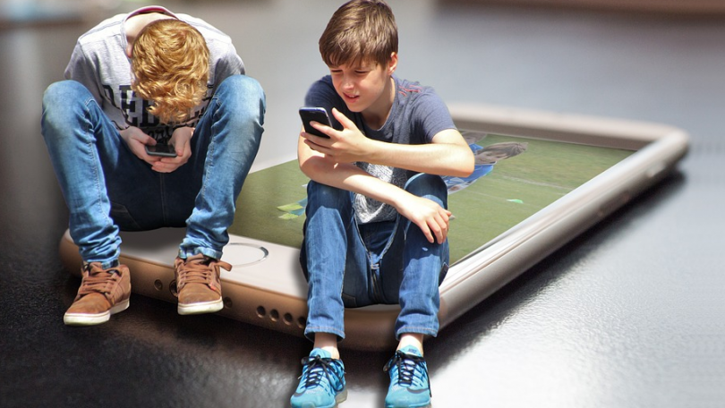Datafyldte mobilabonnementer til teenagere med musik og spil