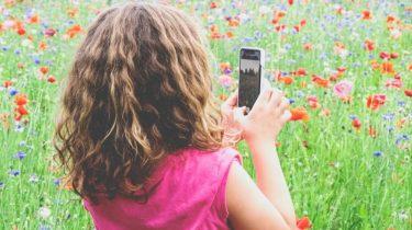 Mobilabonnementer til børn forældre ikke kan komme uden om