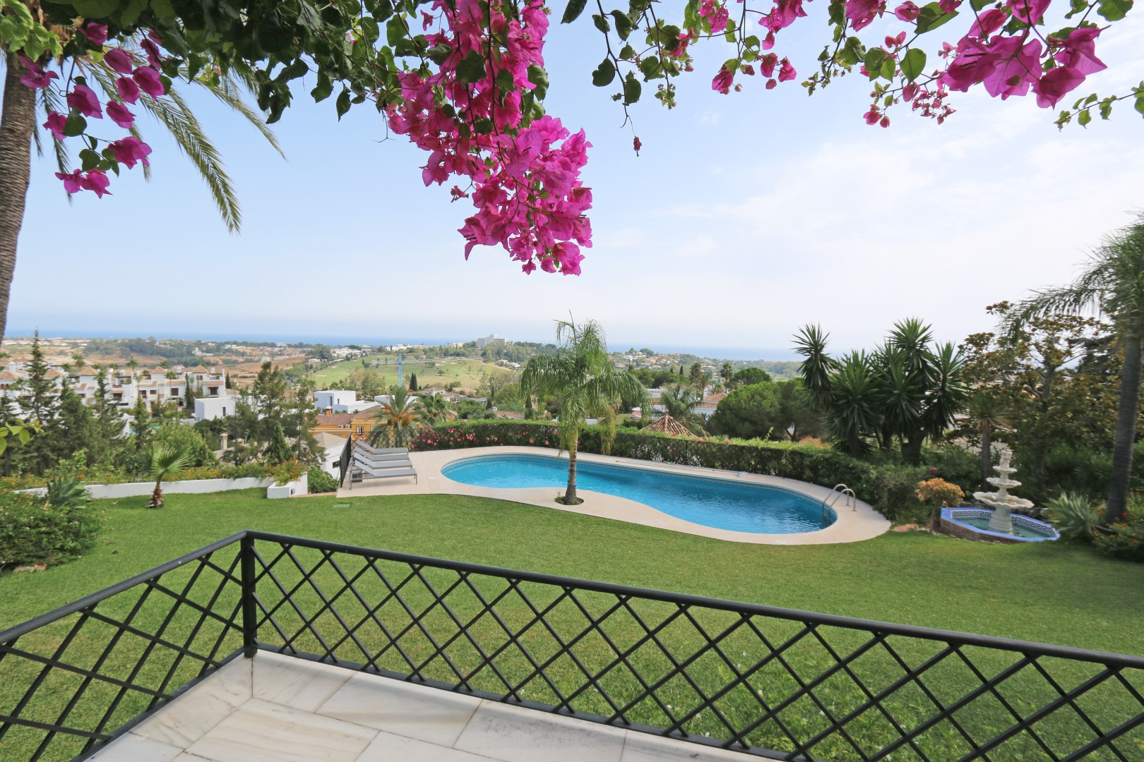 Luxury Modern Holiday Villa with Panoramic Sea View in Strategic Location in Estepona-Marbella