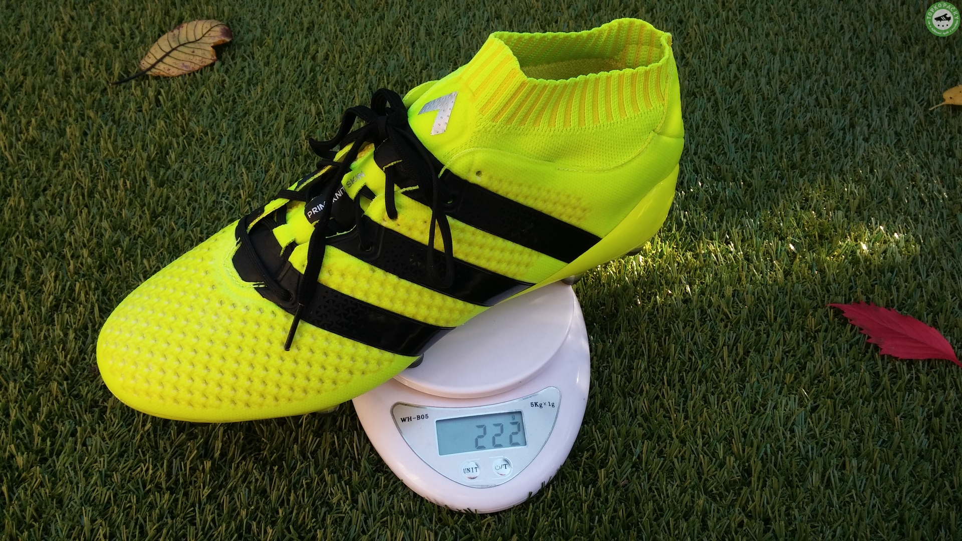 Adidas ACE 16.1 Primeknit váha