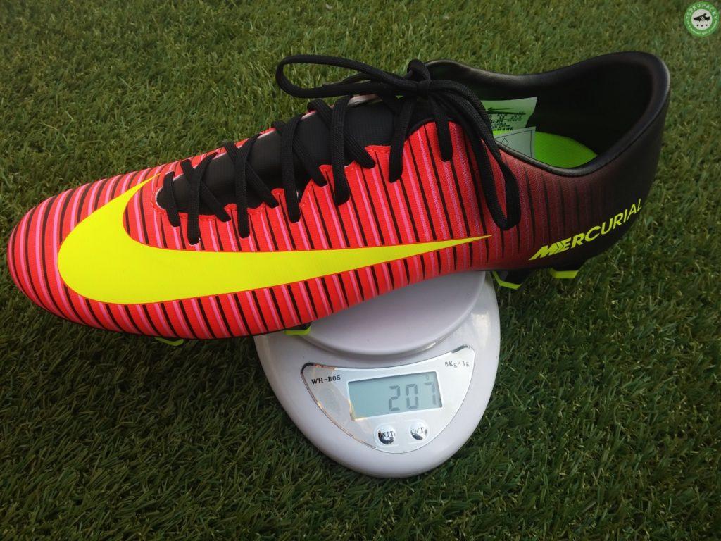 Nike mercurial Victory VI - váha