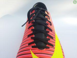 Nike Mercurial Victory VI - zavazování