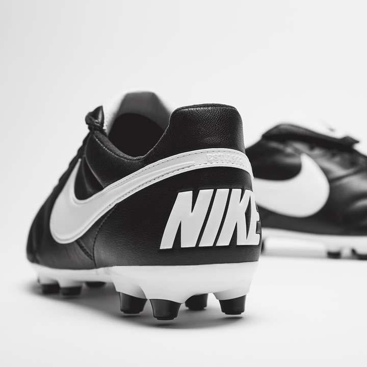 Nike Premier 2 pata kopaček