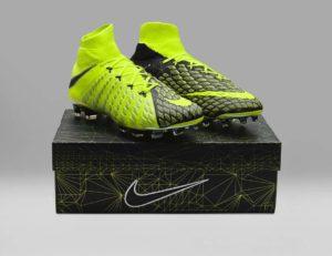 FIFA 18 - Nike X EA Sports Hypervenom 3