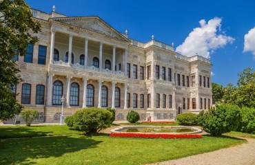 Pałac Dolmabahçe w Stambule w Turcji