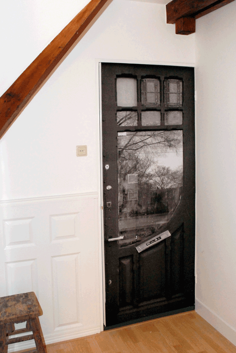 After the True Doors transformation at a family home in Zeist Utrecht - the first door in the room
