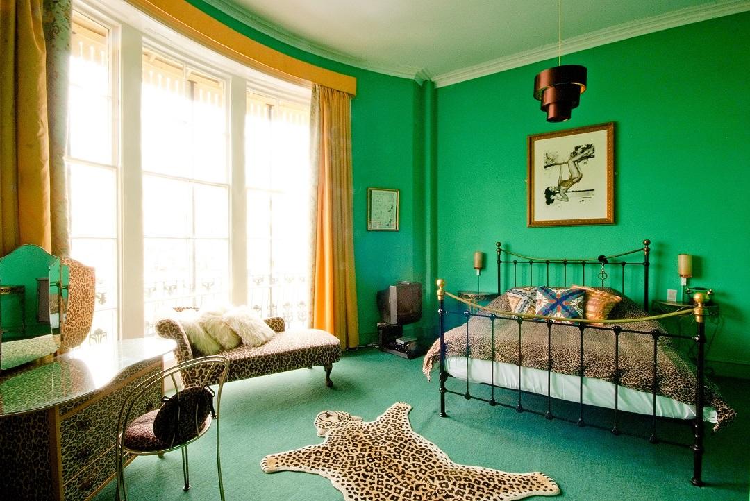 Pelirocco Leopard hoteles san valentin