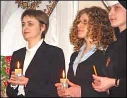 Нові працівники УКУ запалили свічку