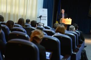 Хосе Касанова вважає, що Церква та держава мають спричинитися до  формування людських цінностей