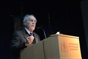 Пітер МакКормік передав для УКУ понад 6 тис. філософських праць