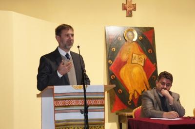 Декан гуманіатрного факультету під час конференції в Перемишлі