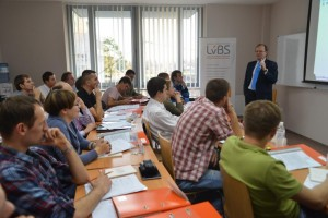 Професор Бернард Катці на навчальному модулі для учасників MS in Technology Management