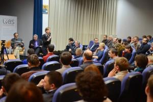 Керівник Львівської бізнес-школи Софія Опацька на відкритті дискусії «Україна-2014: що нас чекає?»