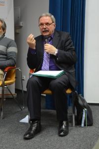 Проректор УКУ Мирослав маринович під час презентації декларації