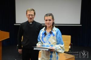Робота переможниці конкурсу Ольги Лапчанської була цілковито написана віршовою формою