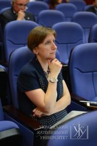 На думку декана Львівської бізнес-школи Софії Опацької, лише той бізнес, який побудований на соціальній відповідальності, можна вважати ефективним. Саме такий принцип дотримуються під час навчання в LvBS