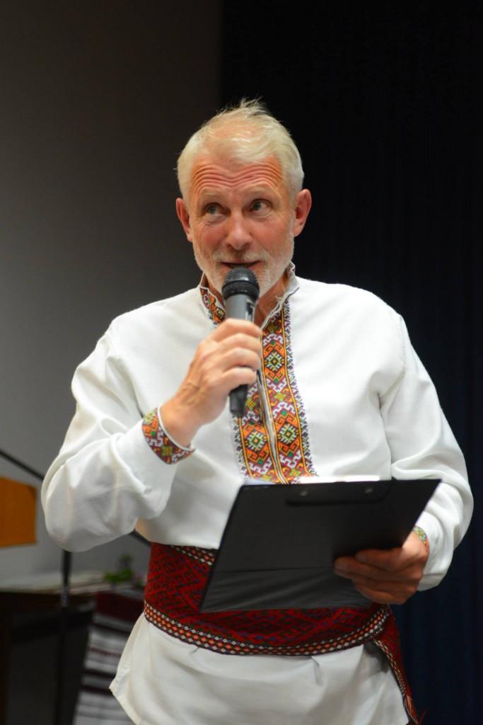 Ще один талант Хуторівки - карколомний ведучий пан Любомир Коцький