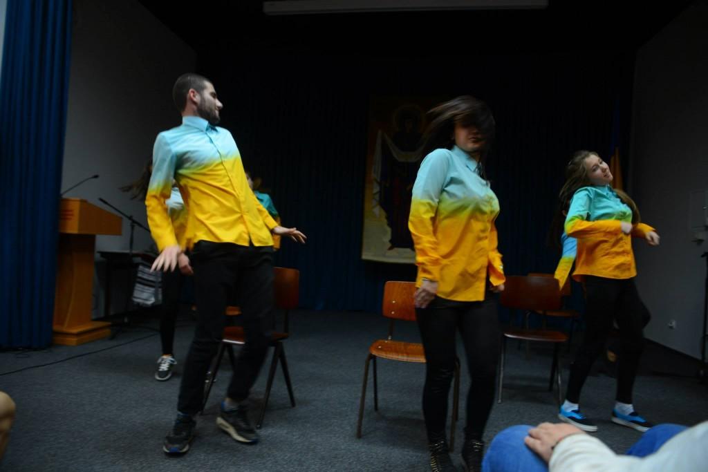 Фінальний танець про відродження Майдану від Мандебури Сергія і його колективу