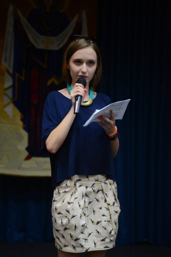 Карина Лазарук читає авторську гумореску в стилі Остапа Вишні