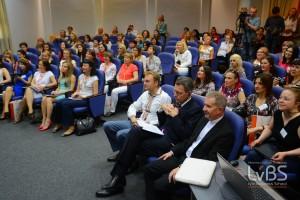 Учасниками Форуму стали понад сотня жінок-підприємців зі всієї України, від представниць малого та середнього бізнесу, до керівників великих компаній