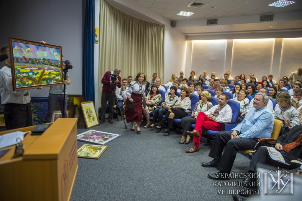 Традиційним для «Перелаз'» залишається і аукціон, де гості можуть купити твори сучасних митців, а кошти з аукціону підуть на підтримку студентів УКУ