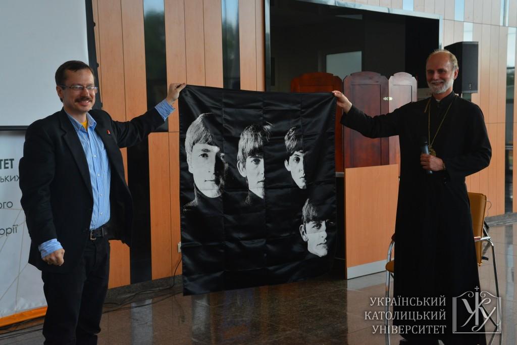 Подарунок владиці Борису від Ілька Лабунька