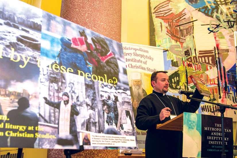 диякон Роман Завійський презентує канадській публіці книгу «Майдан і Церква»