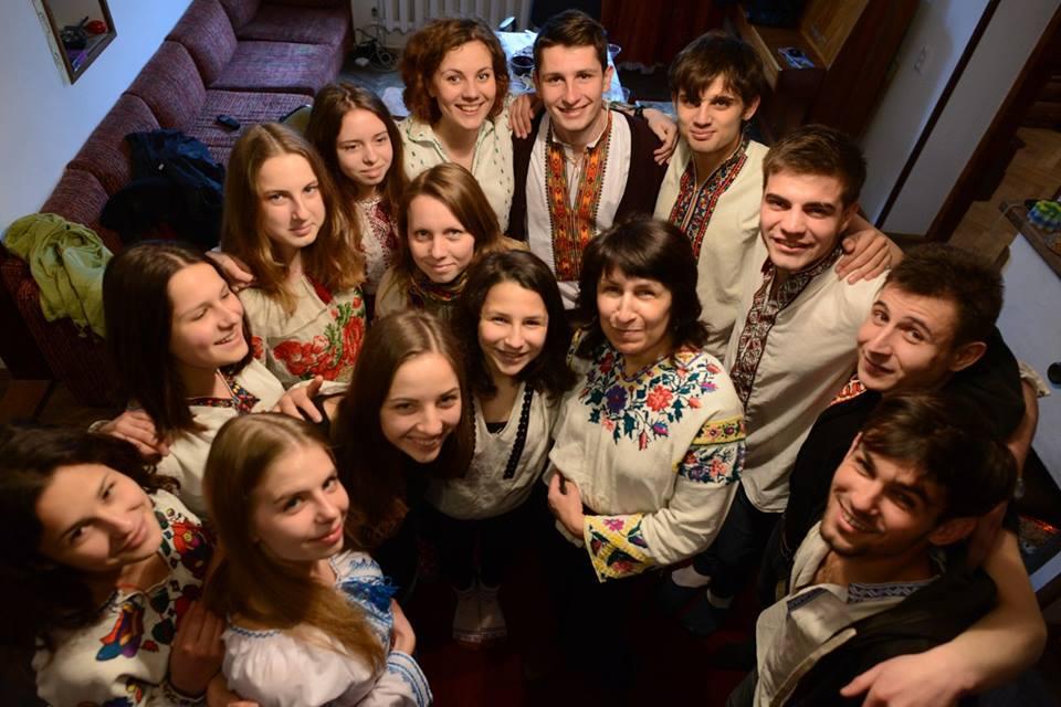 Для організаторів важливо також те, щоб львівські родини зголосилися прийняти гостей зі Сходу та Півдня до себе в родини на Великодній час
