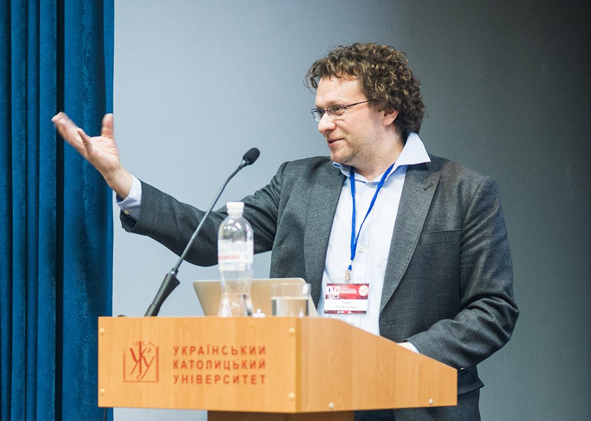 Пітер Померанцев - британський журналіст та медіаексперт, досліджує тему російської пропаганди.