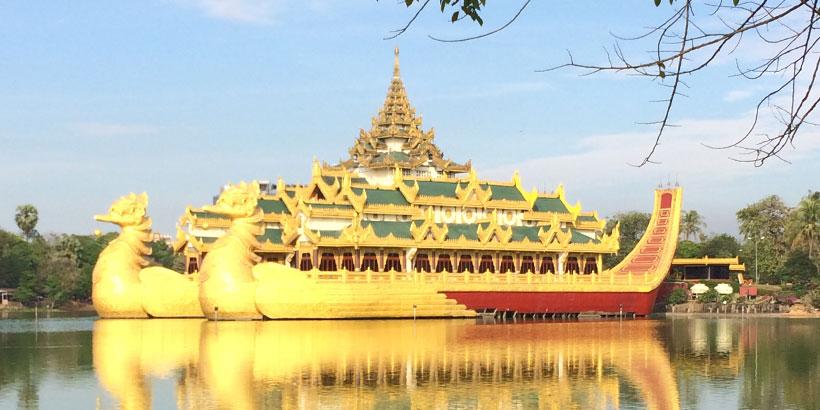 Lohikäärme vene Yangonissa
