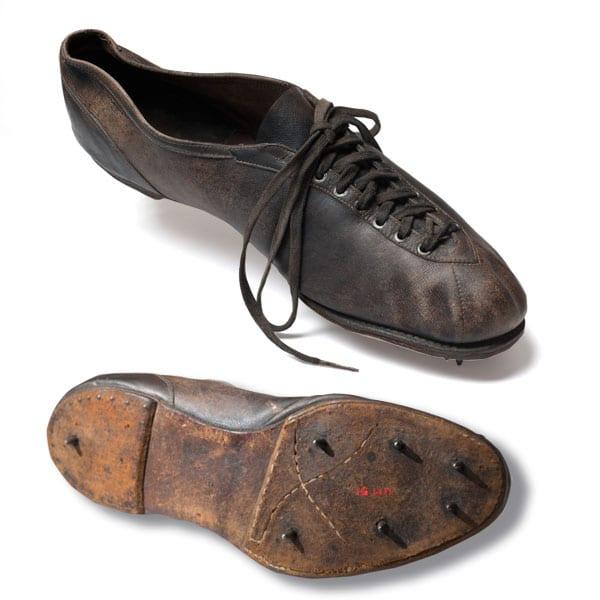 Elmer Niklander's shoe