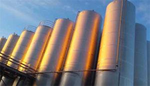 Azijnproducent Burg heeft jaarlijks 70.000 GJ aan koude nodig voor het produceren van azijn. Het slimme energienet garandeert deze levering dankzij een 'kralenkettijng' van wko's en asfaltcollectoren.