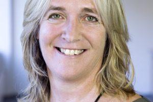 Hoogleraar Anke van Hal: 'draagvlak creëren voor de energietransitie'