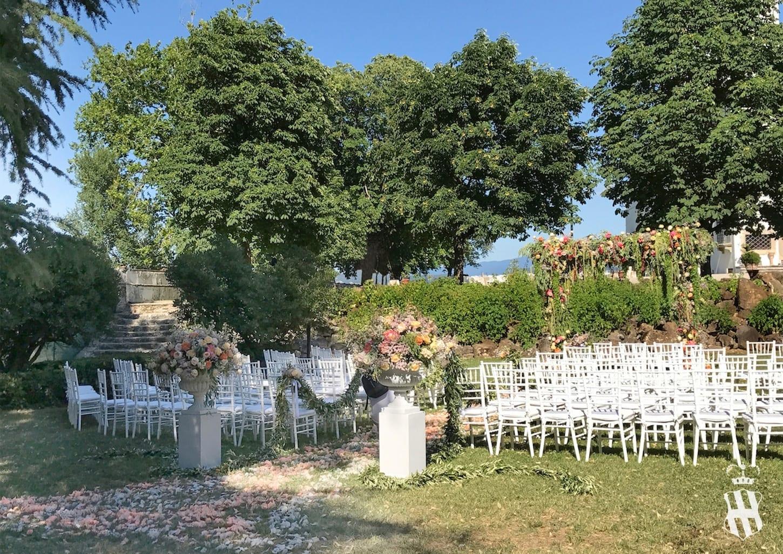 Gli ambienti interni e i giardini villa corsini a mezzomonte for Ambienti esterni giardini