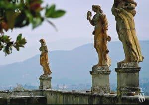 Villa Corsini a Mezzomonte - Cotto dell Impruneta - Terracotta statues - Italian artisanship