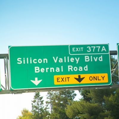 Highway-Hinweisschilder im Silicon Valley