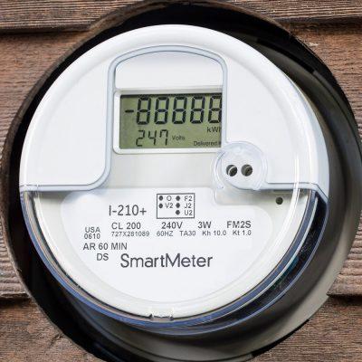 Smart Meter an einer Wand