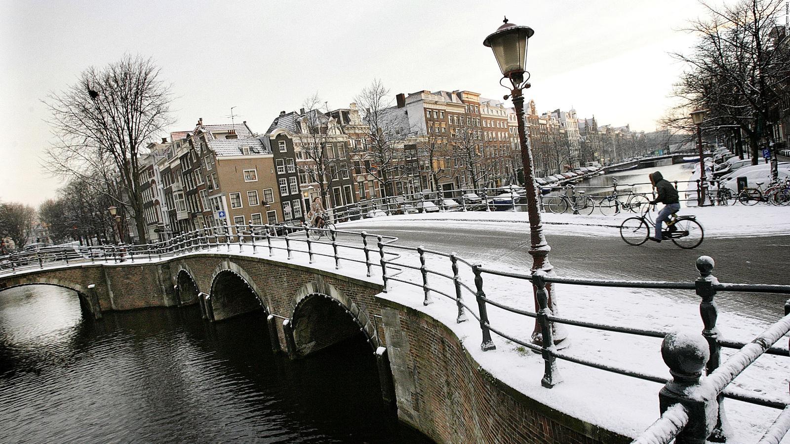 Stadtansicht von Amsterdam im Winter