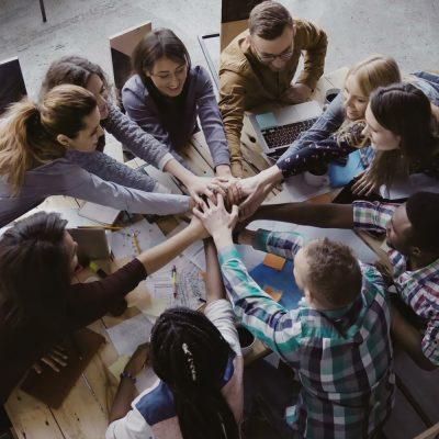Gründer feiern ihren Crowdfunding-Erfolg