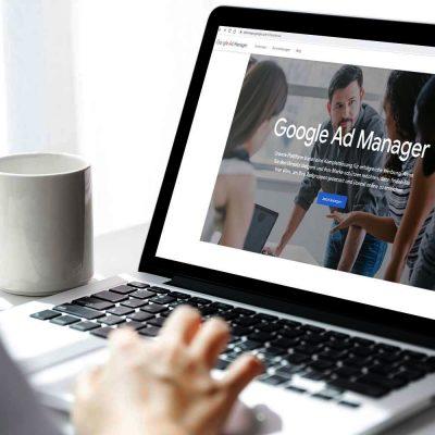 Google Ad Manager auf einem Laptop