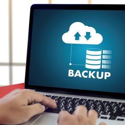 Symbolbild mit Laptop zum Thema Backup