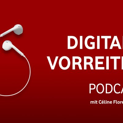 Podcast mit Céline Willers Text auf rotem Grund