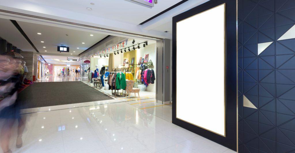 digital signage im einkaufszentrum