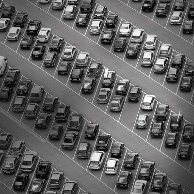 Digital optimiert: Vodafone zeigt, wie IoT die Parkplatzsuche in Dresden über Smart Parking vereinfacht.