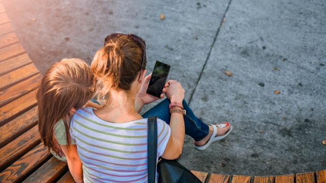 Cyber Mobbing Kinder Eltern Ratgeber digital