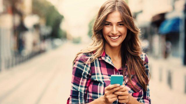 Wer PIN und Muster vergessen hat, kann das Smartphone im Notfall auch anders entsperren.