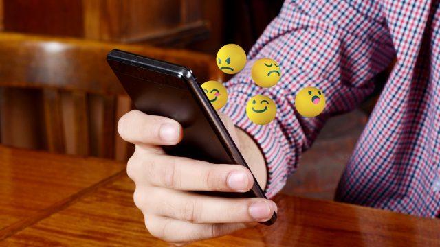 Kommunikation fällt mit Emojis oft leichter.